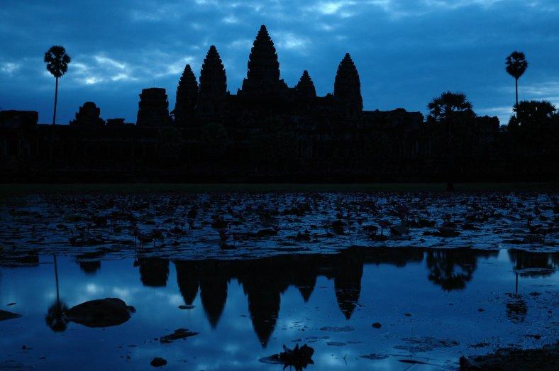 Angkor_Wat_at_sunrise